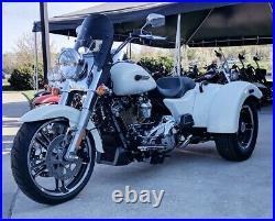 Calsci Tinted Shorty Windshield for Harley Freewheeler FLRT